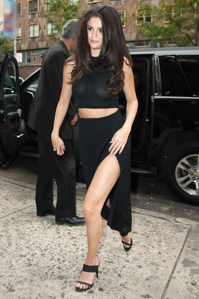 Selena Gomez, co nang cham dien vay quan nhat Hollywood hinh anh 9