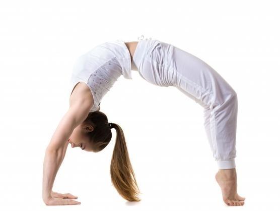 6 tu the yoga cho vong nguc san chac, day dan hinh anh