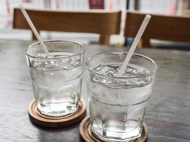 Tác hại không ngờ khi uống nước lạnh