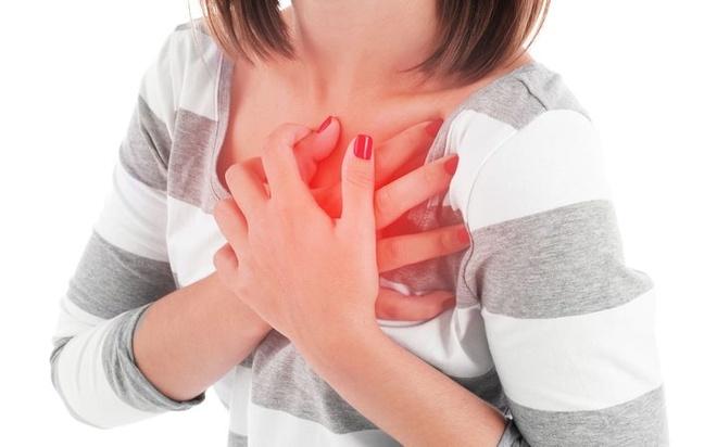 Làm gì để sống sót nếu bị đau tim khi chỉ có một mình?