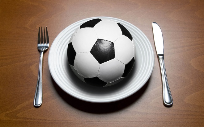 Chế độ dinh dưỡng cần thiết cho cầu thủ bóng đá