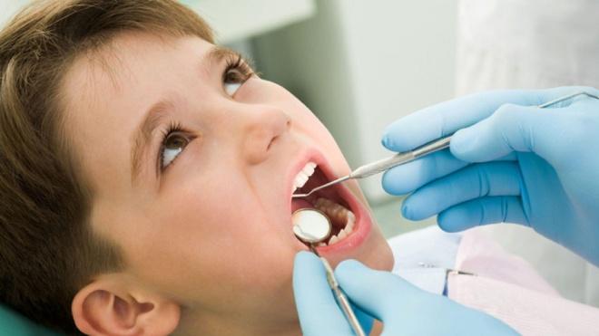 Sai lầm thường gặp khi chăm sóc răng miệng cho trẻ