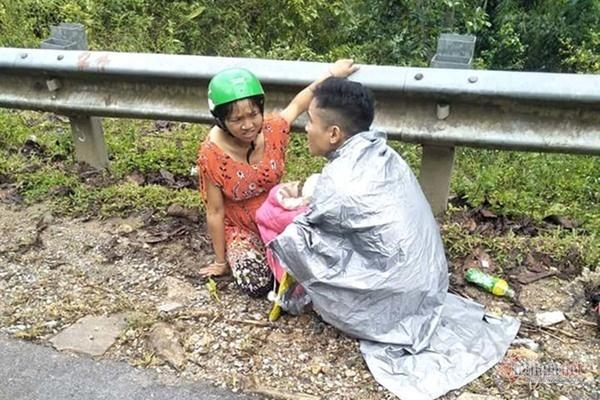 Người đàn ông ở Nghệ An đỡ đẻ cho vợ ngay bên đường
