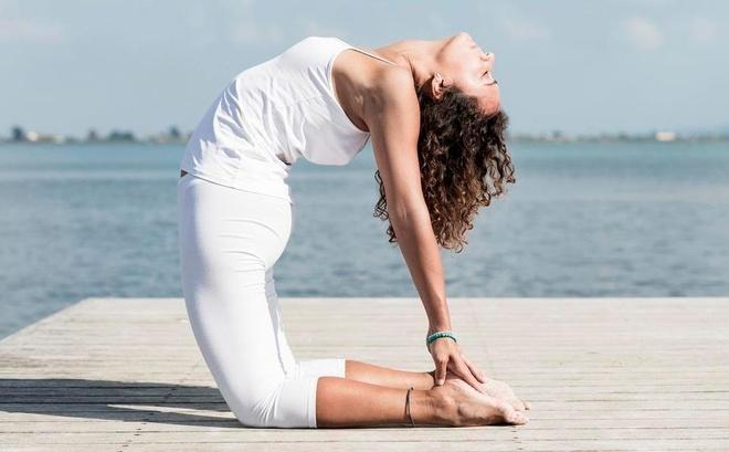 7 tu the yoga loai bo cang thang hinh anh