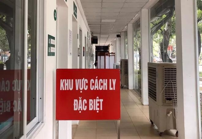 Nhiều cơ sở y tế đã lập khu vực cách ly để tiếp nhận bệnh nhân nghi nhiễm Covid-19. Ảnh: Người Lao Động.
