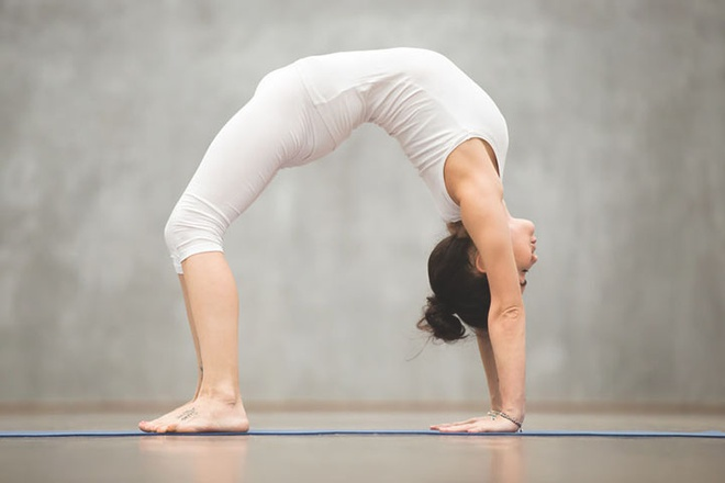 Bai tap yoga cho vong mot anh 3
