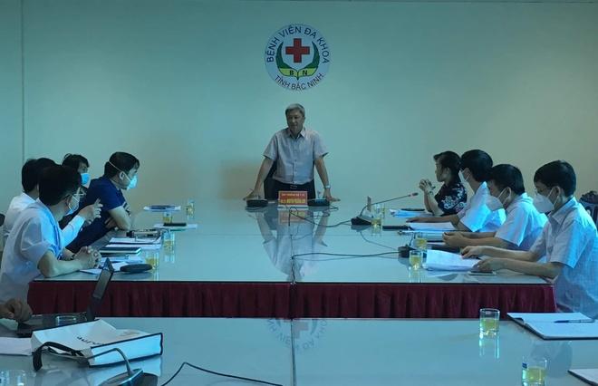Thứ trưởng Bộ Y tế Nguyễn Trường Sơn phát biểu tại buổi làm việc với Bệnh viện Đa khoa tỉnh Bắc Ninh. Ảnh: Bộ Y tế.