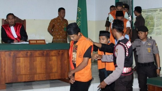 Indonesia thien ke hiep dam tre em anh 1