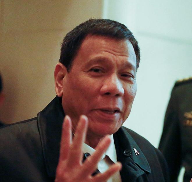 Duterte toi Trung Quoc: Khong thao luan ve Bien Dong hinh anh