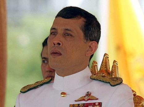 Quoc hoi Thai Lan moi thai tu len ngoi hinh anh