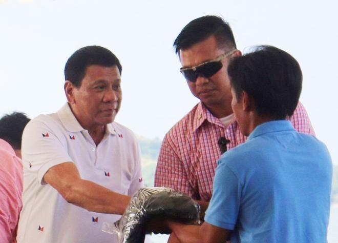 'Philippines san sang che cho ngu dan Viet gap nan' hinh anh