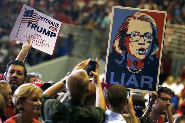 Trump - Clinton: Gio doi chieu o cac bang chien truong hinh anh