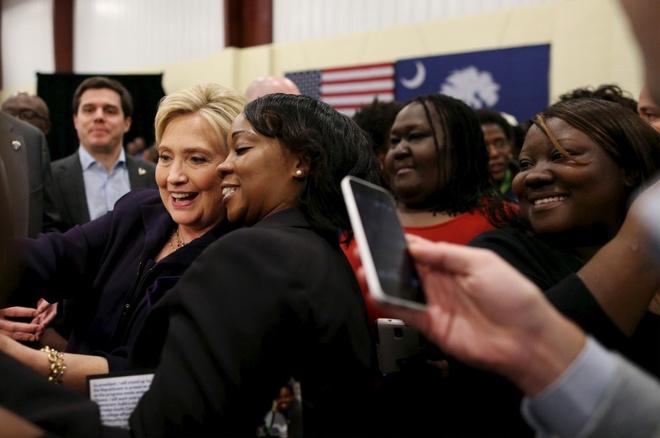 Trump - Clinton: Gio doi chieu o cac bang chien truong hinh anh 3