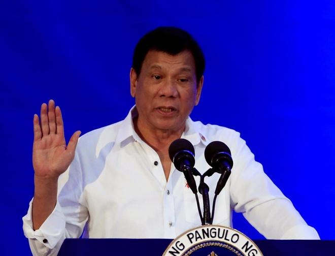 Bat chap luat quoc te, Duterte ung ho phat tu tre tu 9 tuoi hinh anh
