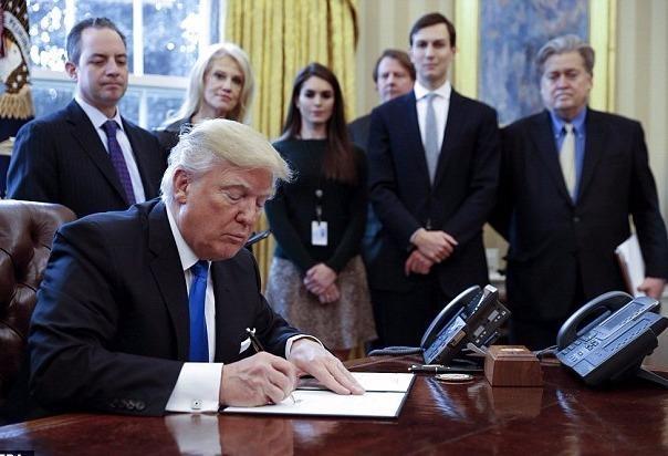 Nhung nhan vat quyen luc khuay dao Nha Trang cua TT Trump hinh anh