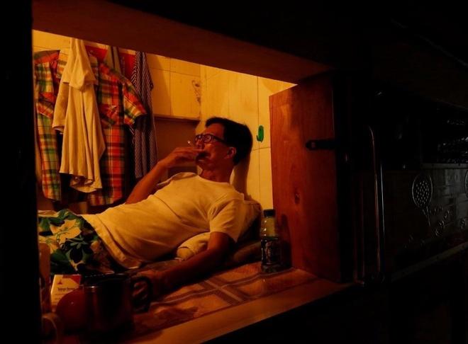 Dan Hong Kong chuyen sang song trong 'nha quan tai' hinh anh