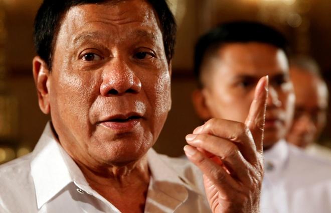 Duterte thach thuc toa quoc te: 'Toi khong bi doa dau' hinh anh