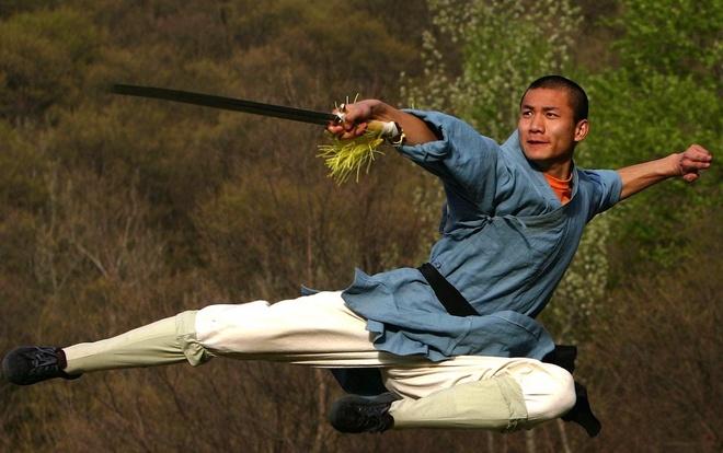 3 lan kungfu 'bat nguon tu mua' dai bai truoc muay Thai hinh anh