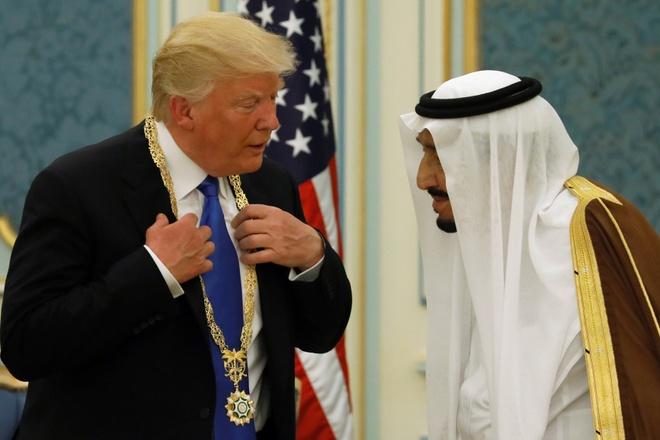 Tong thong Trump duoc tiep dai nhu ong hoang tai Saudi Arabia hinh anh