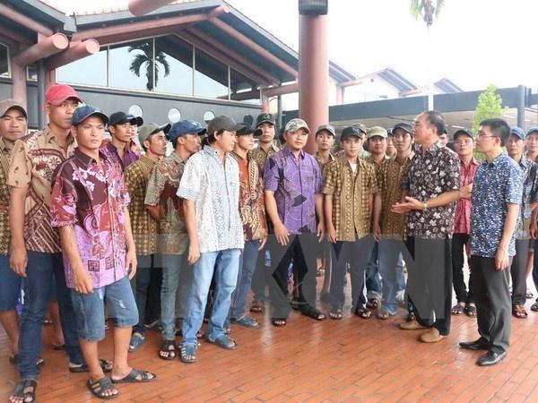 Indonesia hoan thanh thu tuc trao tra cho Viet Nam 100 ngu dan hinh anh