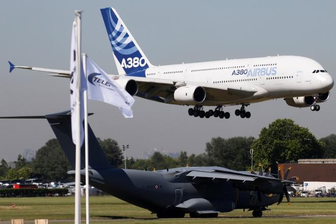Airbus va Boeing 'so ke' tai Paris Air Show 2017 hinh anh
