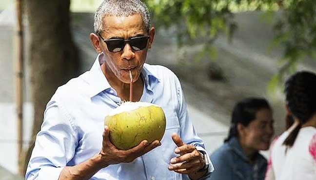 Ong Obama bat dau ky nghi 10 ngay tai 'que huong tuoi tho' Indonesia hinh anh