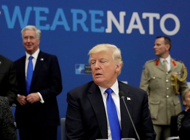 Tham Ba Lan, ong Trump se khoet sau chia re trong EU? hinh anh