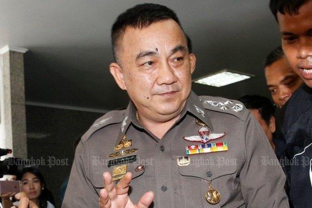 Lanh dao canh sat 'che cho' cho nghi can vu Yingluck bo tron hinh anh 1
