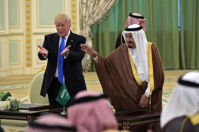 Trump dong y ban he thong THAAD 15 ty USD cho Saudi Arabia hinh anh 1