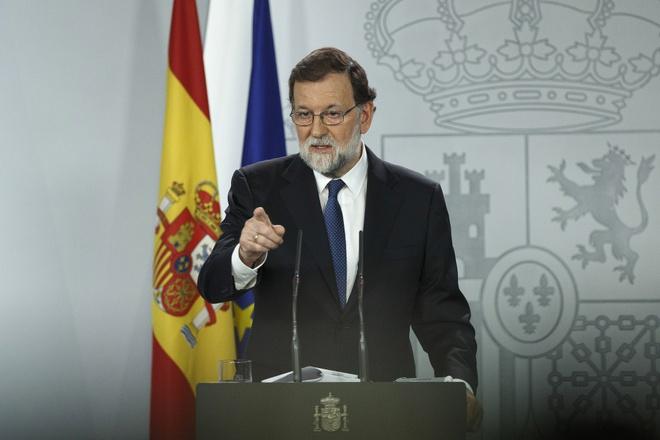 Tay Ban Nha se 'treo' chinh quyen Catalonia, keu goi bau cu hinh anh 1