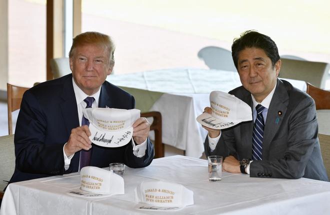 Trump, Abe ca ngoi lien minh giua cang thang voi Trieu Tien hinh anh