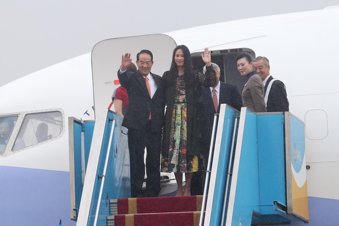 May bay cho doan Dai Bac Trung Hoa du APEC den Da Nang hinh anh