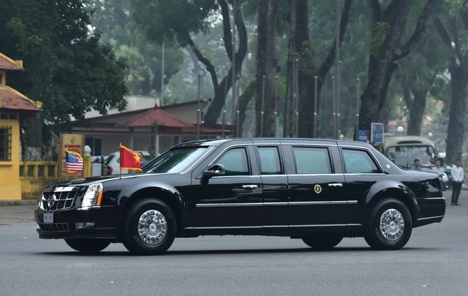 Doan xe Tong thong Trump xuat phat tu khach san Ha Noi hinh anh