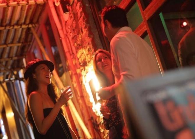 Valentine khac khoai: Phu nu 30 tuoi 'chua tung yeu' o Hong Kong hinh anh