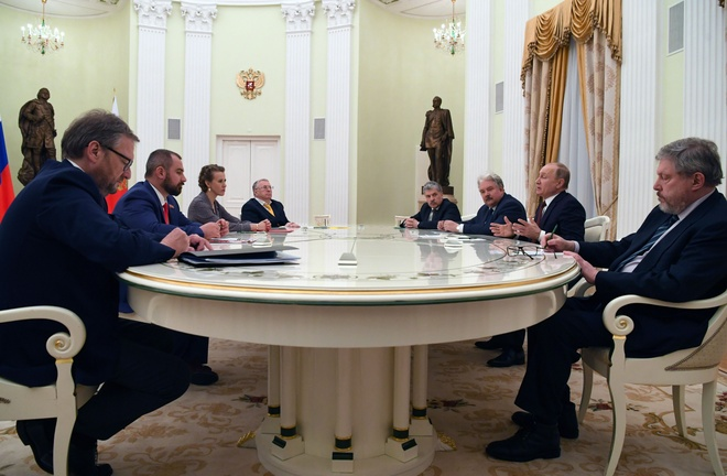 Putin: Nga khong chay dua vu trang, muon giai quyet bat dong hinh anh 1