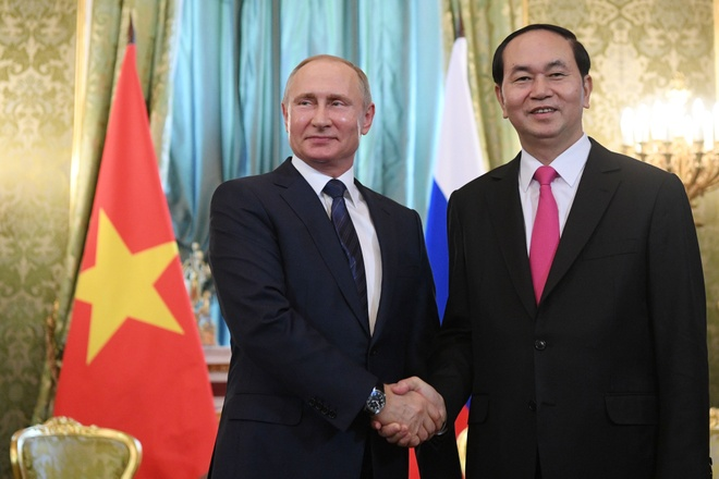 Chu tich nuoc Tran Dai Quang dien dam voi Tong thong Nga Putin hinh anh