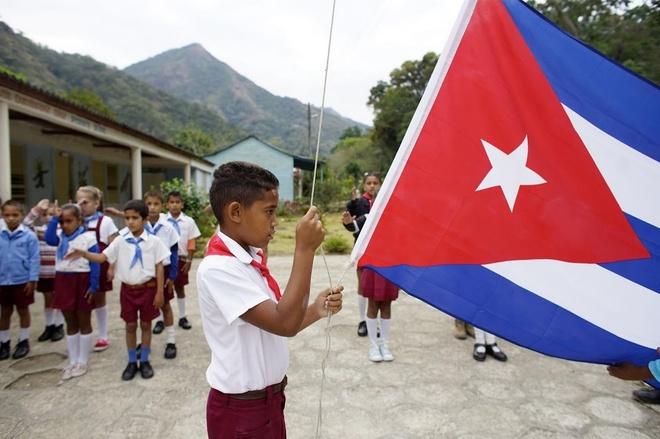 Nguoi dan o 'chiec noi cach mang' Cuba luu luyen thoi Castro hinh anh