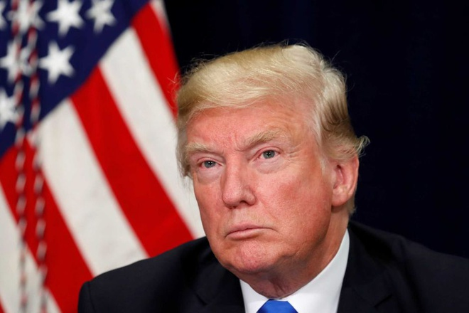 Phe Dan chu kien Trump thong dong voi Nga trong bau cu 2016 hinh anh