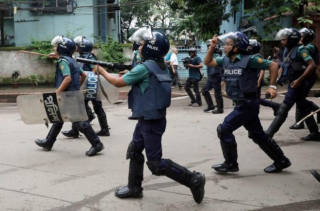 Bieu tinh Bangladesh - vu tai nan lam te liet thanh pho 18 trieu dan hinh anh