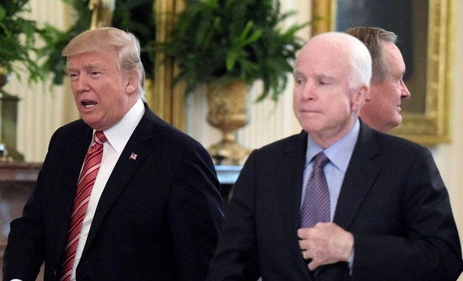 McCain - Trump song gio vi nhung khac biet khong the han gan hinh anh