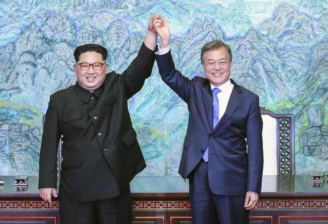 Gap ong Kim lan 3, TT Moon Jae In doi mat thach thuc kho nhan nhat hinh anh