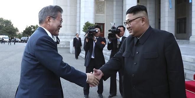 Kim Jong Un, TT Moon dat duoc thoa thuan sau hoi dam lan 2 hinh anh