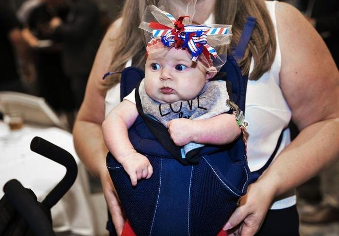Ngừng tự động nhập tịch cho trẻ sinh ở Mỹ, TT Trump sẽ vi hiến?