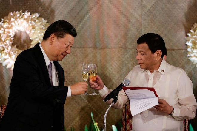 Philippines, TQ ky ghi nho hop tac phat trien dau khi o Bien Dong hinh anh