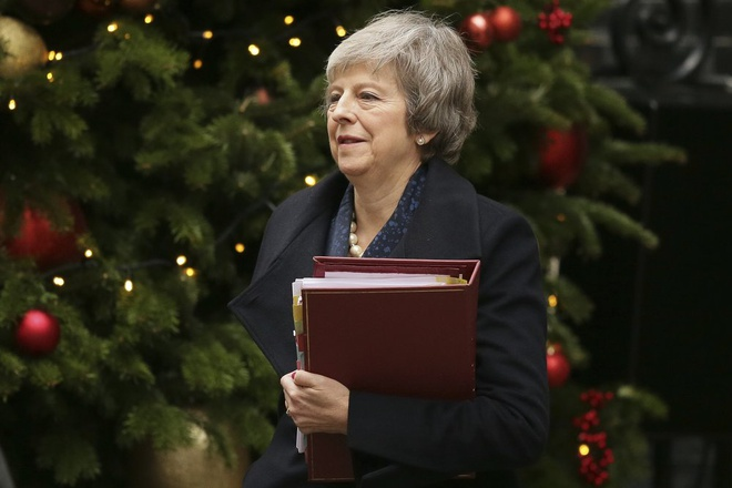 Thu tuong Anh vuot qua bo phieu bat tin nhiem sau khung hoang Brexit hinh anh