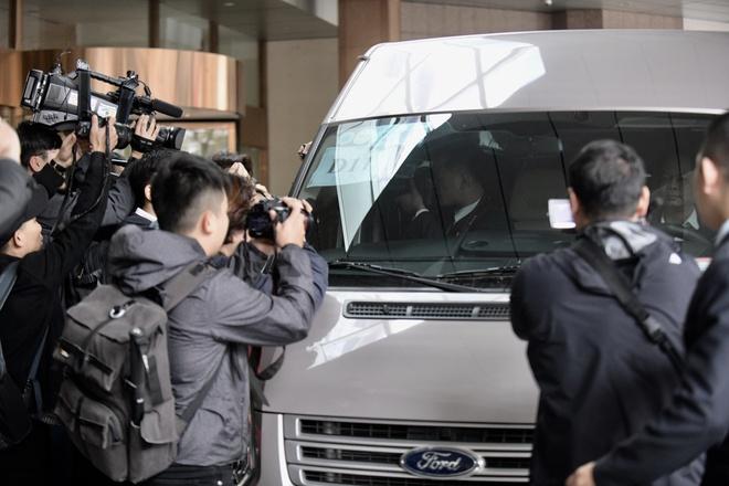 Đoàn xe chở nhân viên an ninh Triều Tiên về khách sạn Melia ở Hà Nội