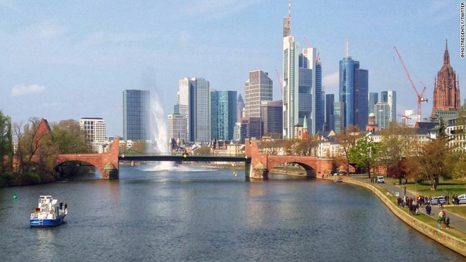 Đức sơ tán 600 người, phá quả bom Thế chiến 250 kg nằm dưới đáy sông