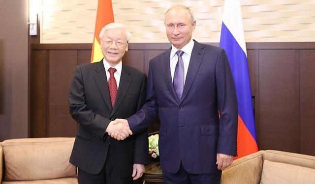 Tong bi thu, Chu tich nuoc trao doi dien mung voi Tong thong Putin hinh anh 1