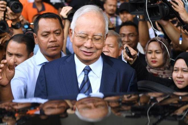 Cuu thu tuong Malaysia tung chi 800.000 USD mua trang suc mot ngay hinh anh 1