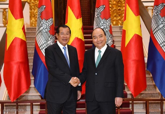 Thu tuong Hun Sen tham chinh thuc Viet Nam ngay 4-5/10 hinh anh 1